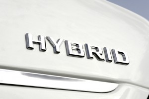 The Mercedes-Benz S400 bluehybrid includes a lithium-ion battery